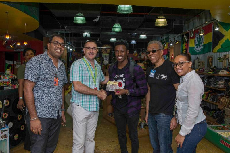 VP Records Partners With MBJ Sangster International Airport For Pop Up Performance By Romain Virgo 1