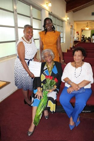 JNAF members began Nurses Week last Sunday (May 7) with a Thanksgiving Service at the Parkwood Baptist Church in Miami Gardens where the founding member, Ms. Joyce Wright and all past presidents were honored and had a chance to formally celebrate their National Honour.2