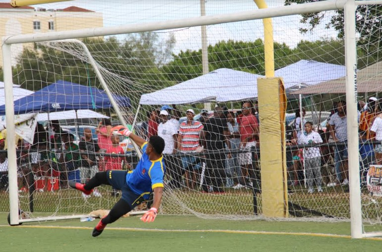 ome Celebrate 10 Years of Labor Day Sporting and Musical Festivities at the Jamaica High School Alumni Soccer & Netball Tournament Family Fun Day 2
