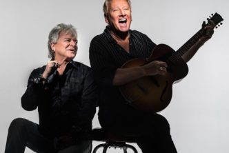 Couples Sans Souci to Host Air Supply & Third World 1