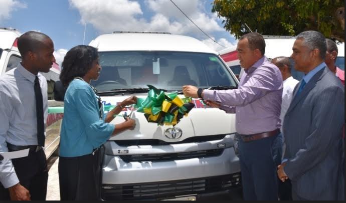 Health Minister Lauds Innovative Retrofitted Ambulances Saving Millions 3