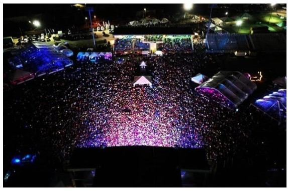 Omari Banks Mesmerized Record Breaking Crowd with Electrifying St.Kitts Music Fest Performance 2