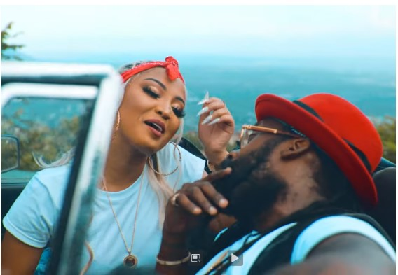 TARRUS RILEY Shares Video for 'Lighter' Featuring SHENSEEA1